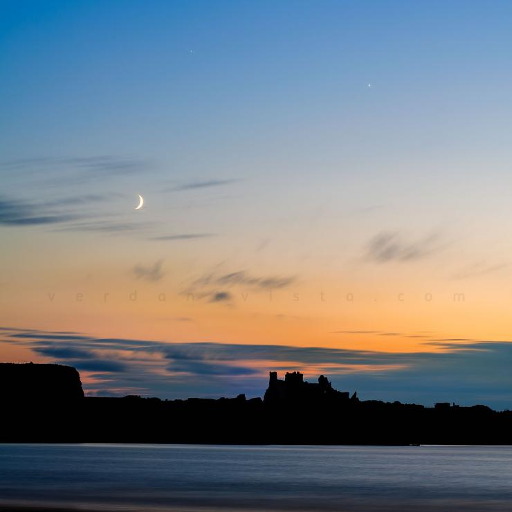 Jupiter, Venus, the Moon & Tantallon Castle in the Gloaming