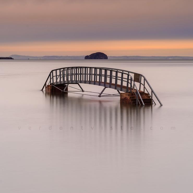 Christmas Day, Bridge To Nowhere Square