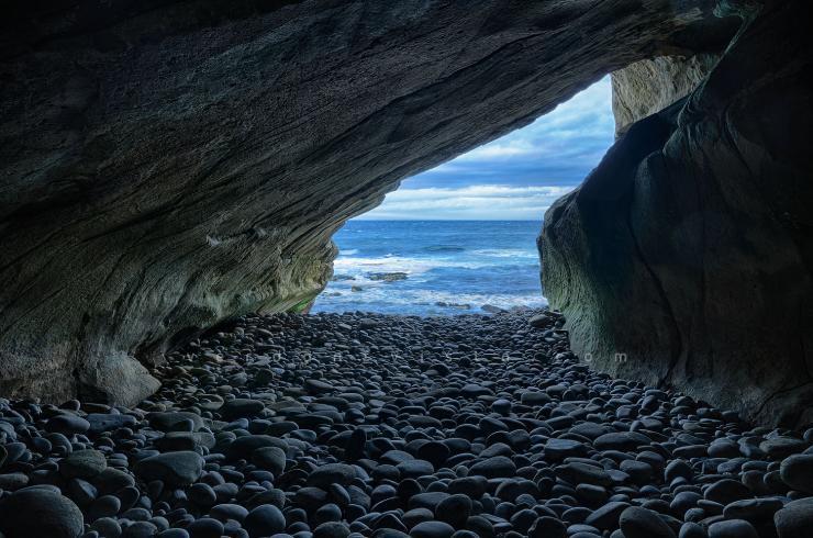 Clashach Cove Cave